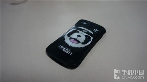 几招解决iPhone手机发烫方法 手机套上保护壳和贴纸
