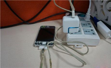 几招解决iPhone手机发烫方法 数据线损坏还充电